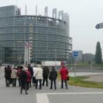 Vor dem Europäischen Parlament.